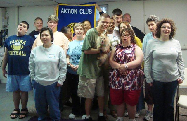 aktion_club_group_photo_with_chip